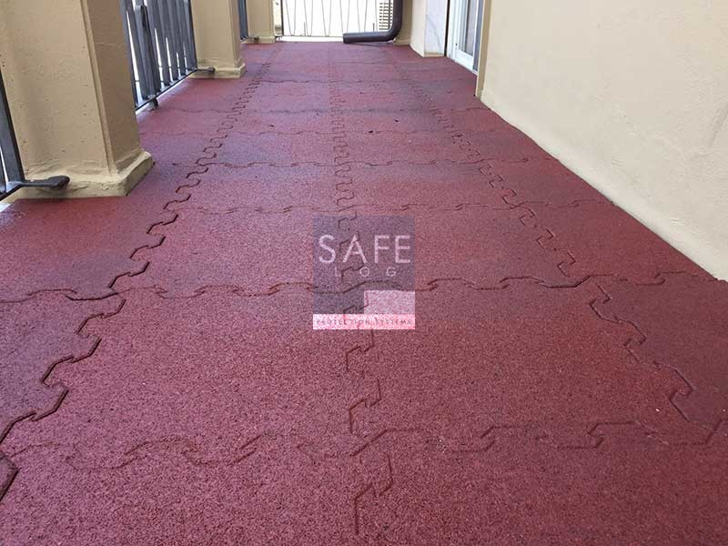 Pavimento terrazzo antiscivolo polis pavimento esterni for Pavimento esterno antiscivolo